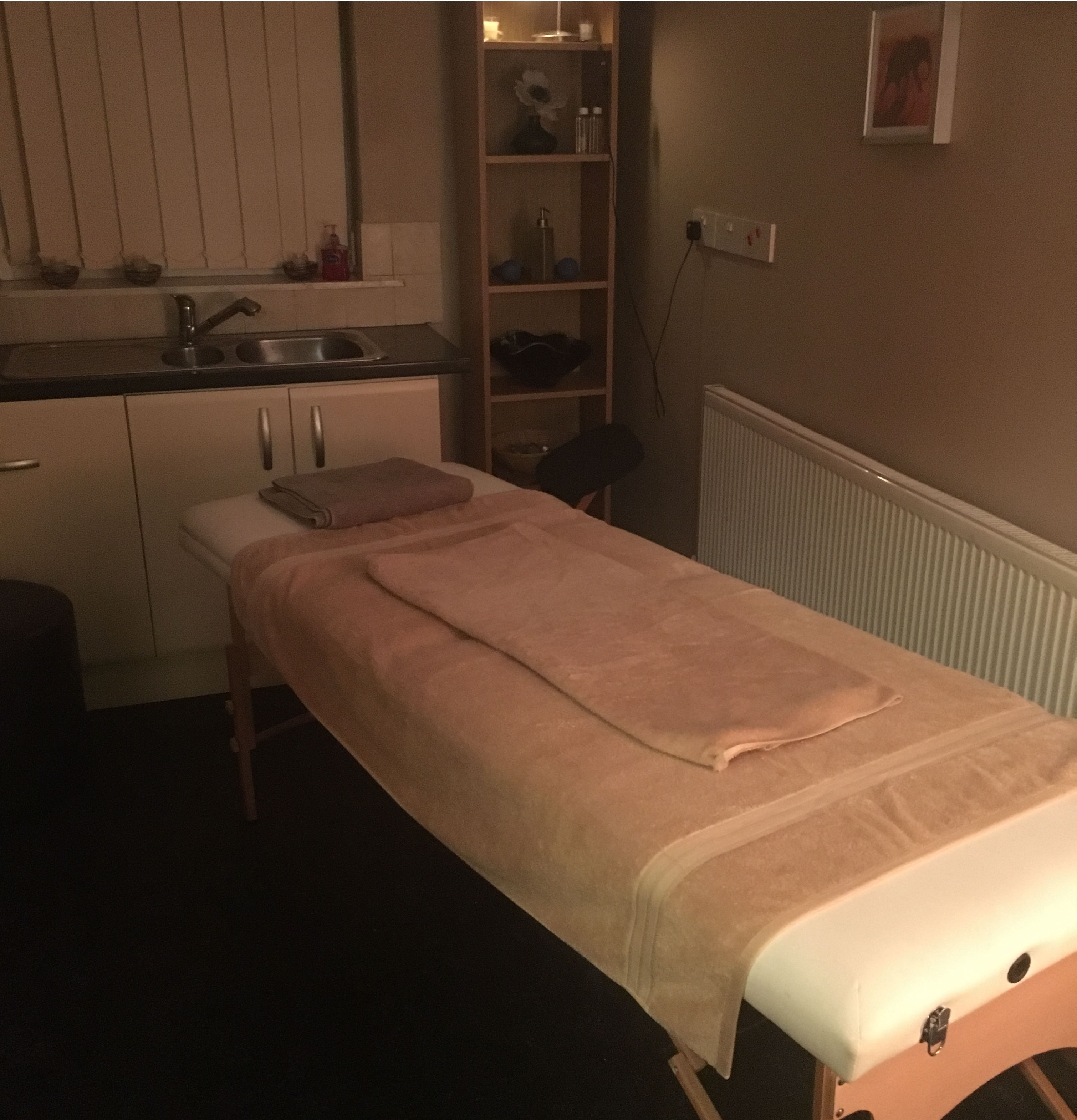 massage-table-at-vibe-bury-01