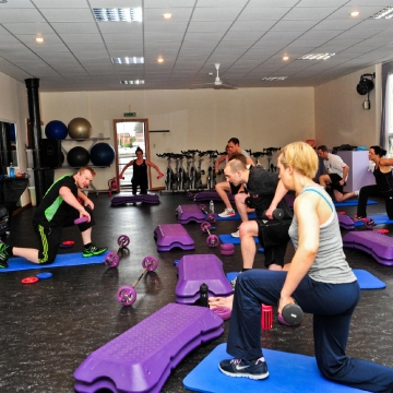 group-session-training-at-vibe-gym-bury